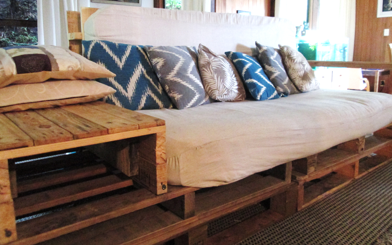 25 Pallet Sofa Design Ideas To Recycle Your Un Pallets