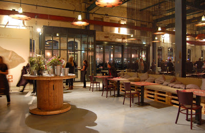 Restaurant-in-Amsterdam-furnished-with-furniture-made-from-recycled-materials_2