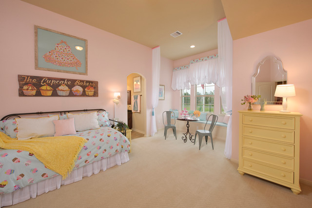 Spacious-Blue-Bedding-traditional-bedroom-Interior-with-Minimalist-Bedroom-Furniture-for-Little-Girls-Bedroom-Ideas-Combined-with-Pink-Wall-Decor-Ideas-Chic-Lounge