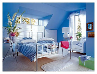 blue designs wall for girls bedroom