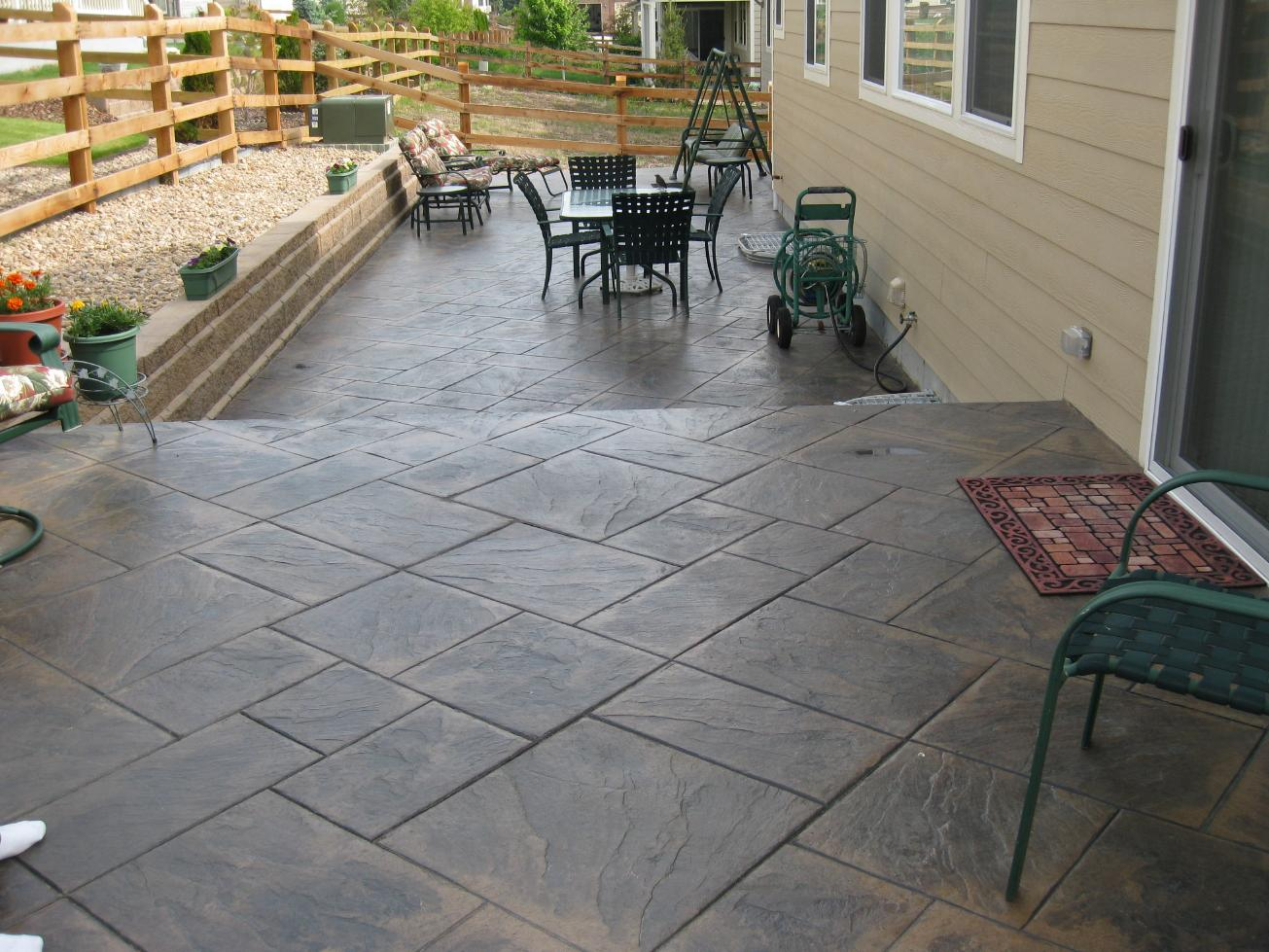 10 cool stamped concrete patio ideas for your patio garden for Pictures of patio ideas
