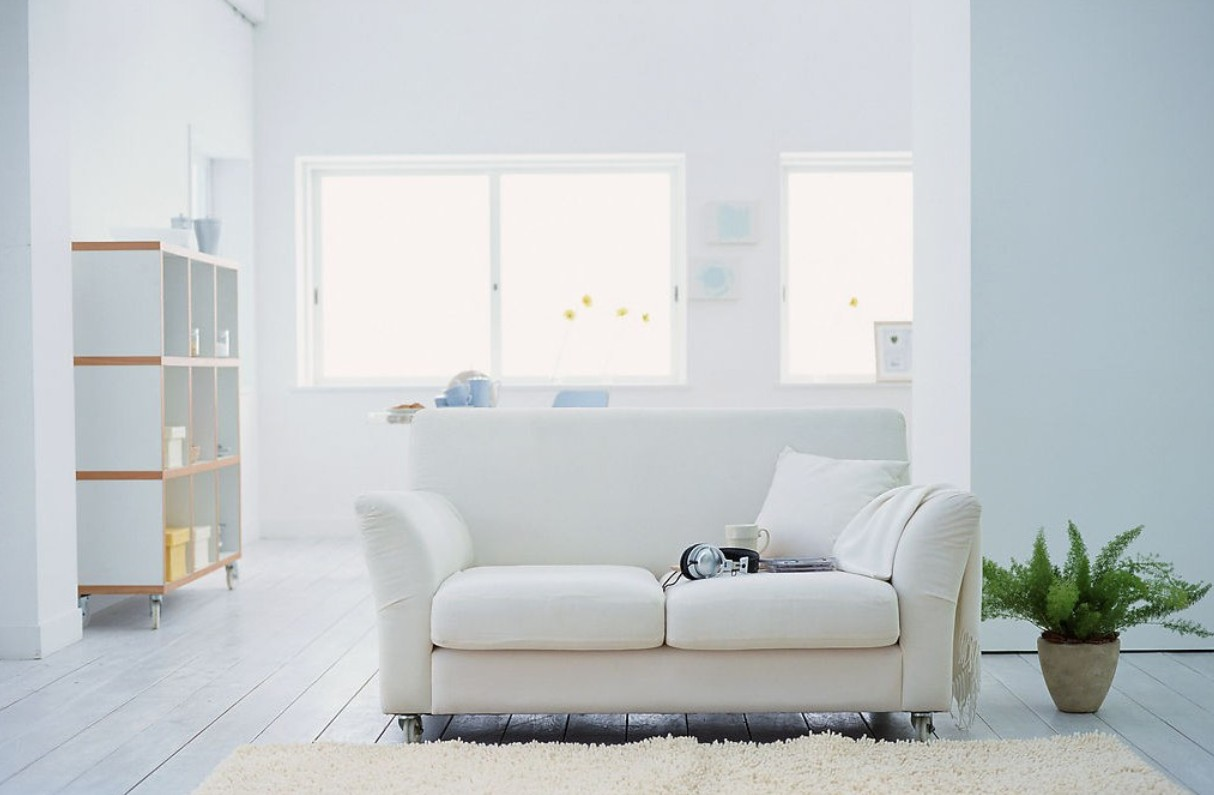 15 awesome white living room furniture for your living space for Simple modern living room
