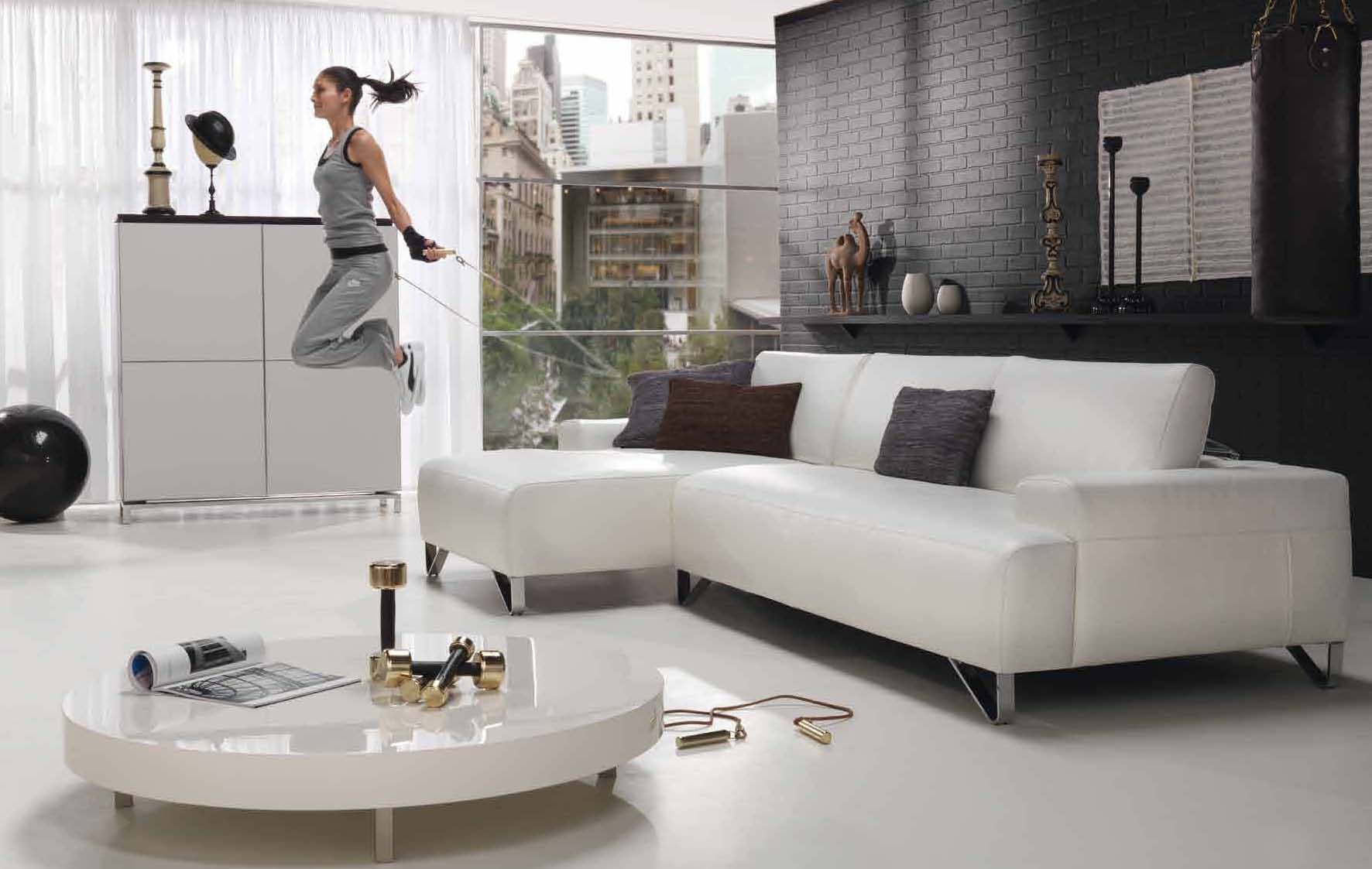 Merveilleux VIEW IN GALLERY White Living Room Furniture Ideas Cool White Leather Sofa
