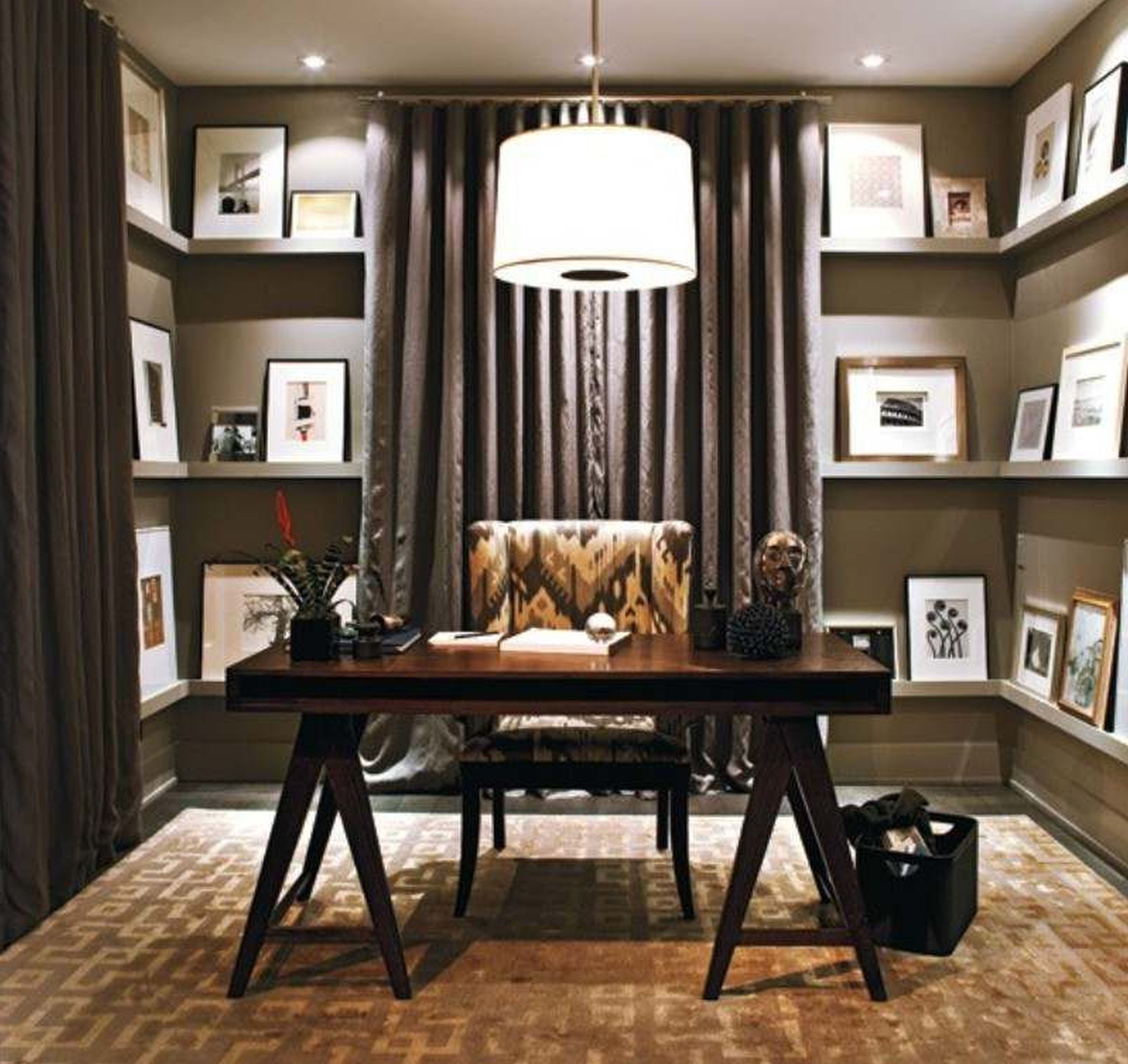 22 home office ideas for small spaces work at home for Decorate pictures