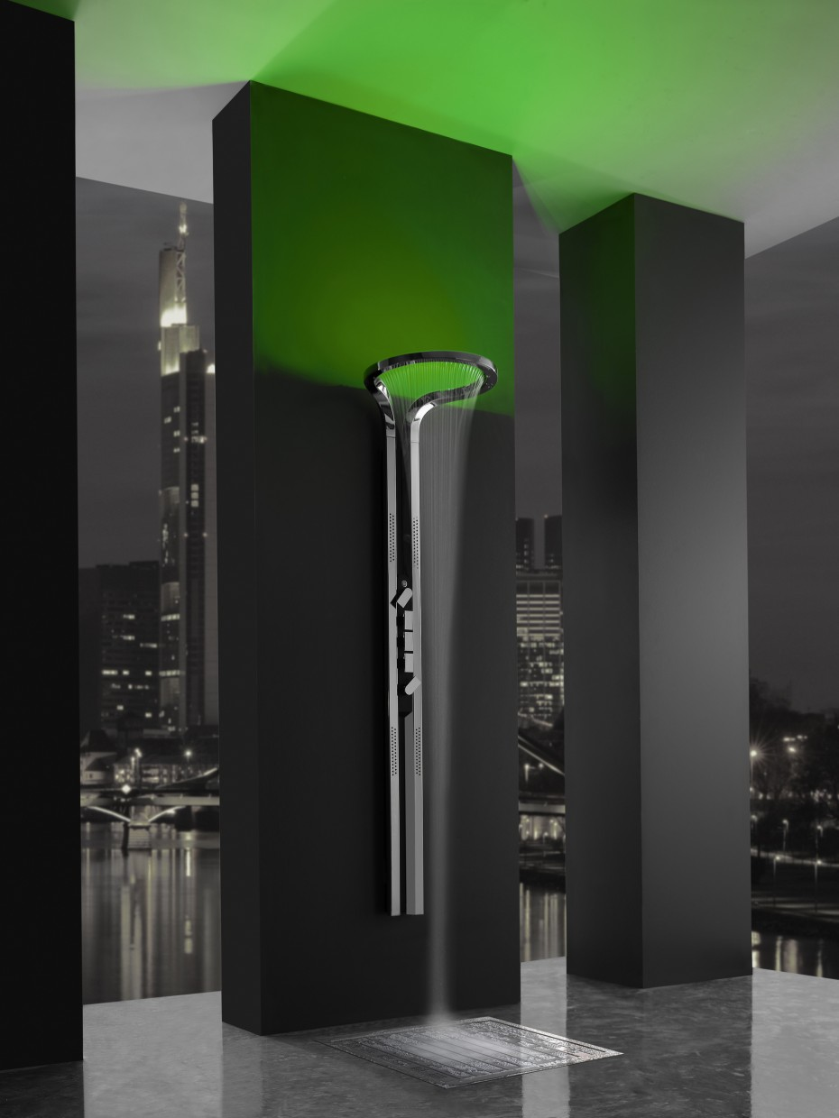 Bathroom rain showers - View In Gallery Wall Mount Chrome Rain Shower Head With Green Lights Bathroom Design Cool Modern Bathroom Decors Shower