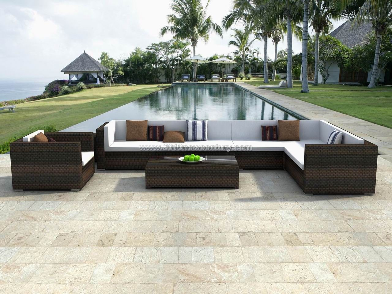 Awesome rattan garden furniture hgnv com for Designer garden furniture