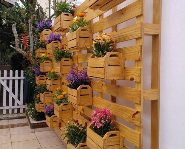 planter boxes made from pallets