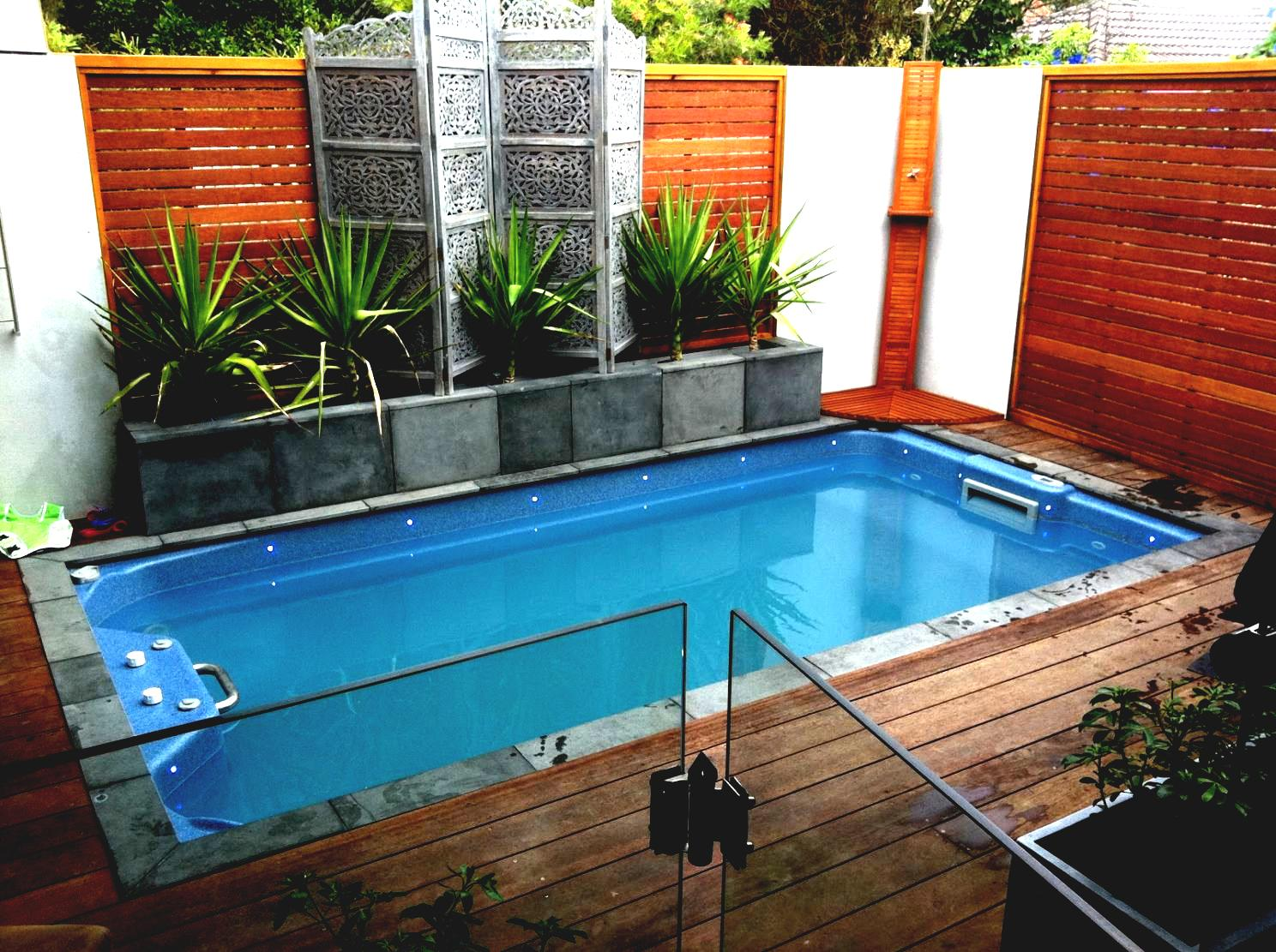 24 small pool ideas to turn your small backyard into for Small backyard designs with pool