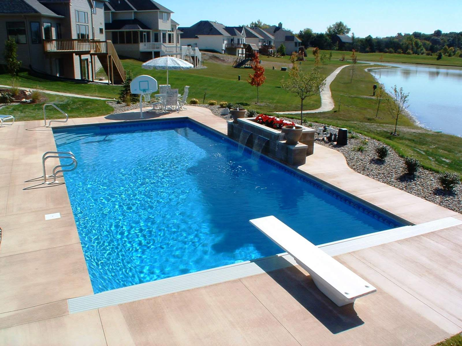 24 small pool ideas to turn your small backyard into for Backyard pool planner