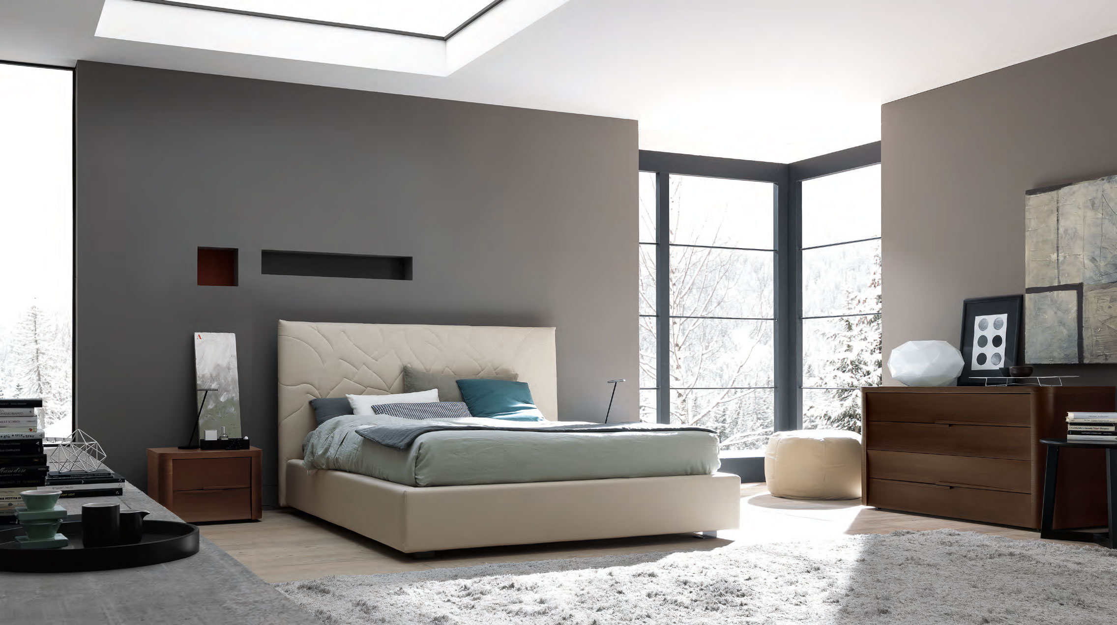 VIEW IN GALLERY Modern Bedroom Design With Dark Wall And White