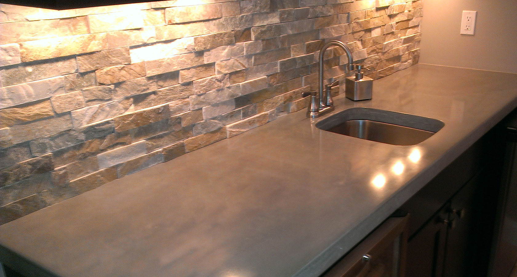 Countertops : Most Popular Types of Kitchen Countertops Materials - HGNV.COM