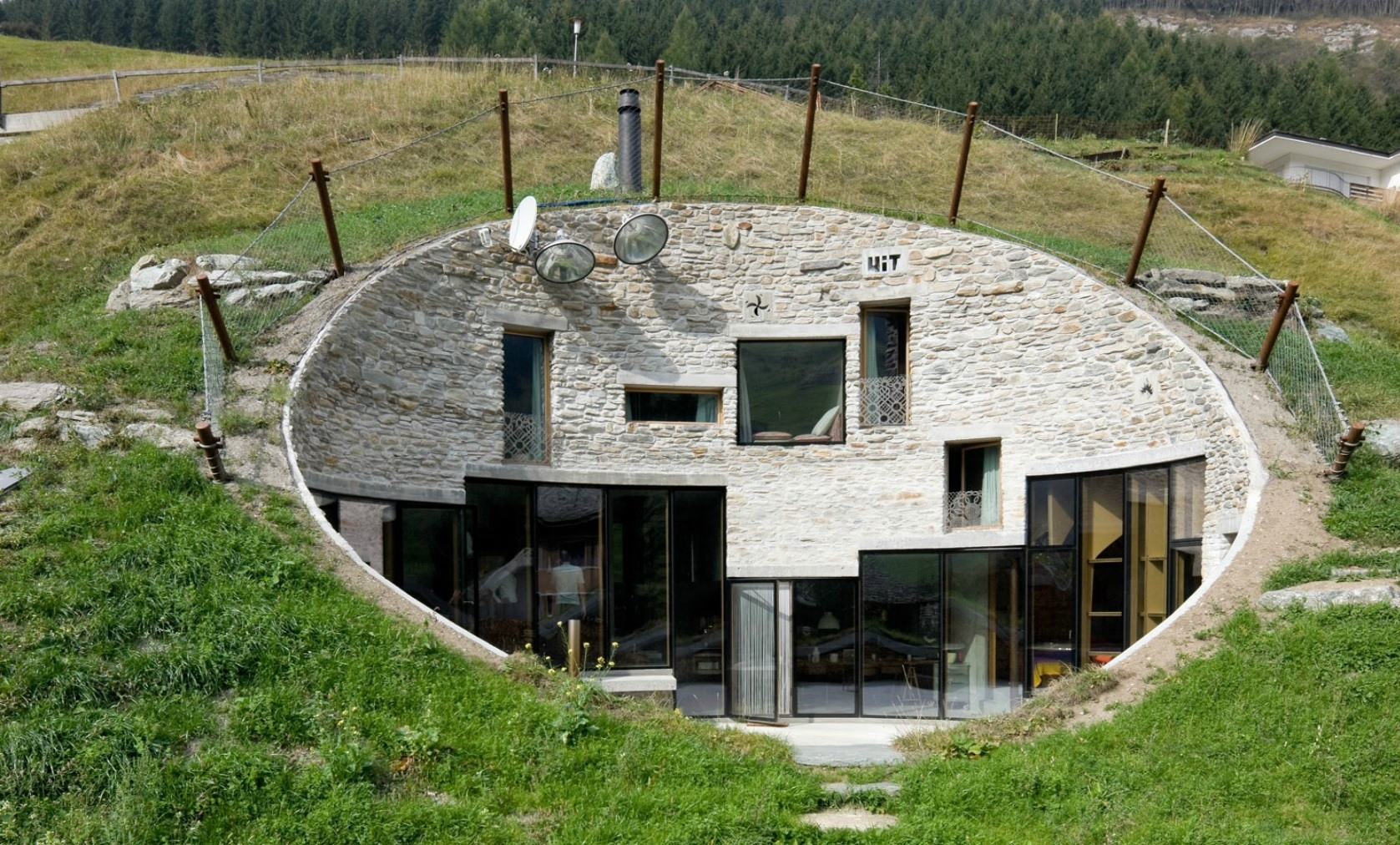 http://www.hgnv.com/wp-content/uploads/2017/01/Villa-Vals-by-studio-SeARCH-Christian-Muller-Architect.jpg
