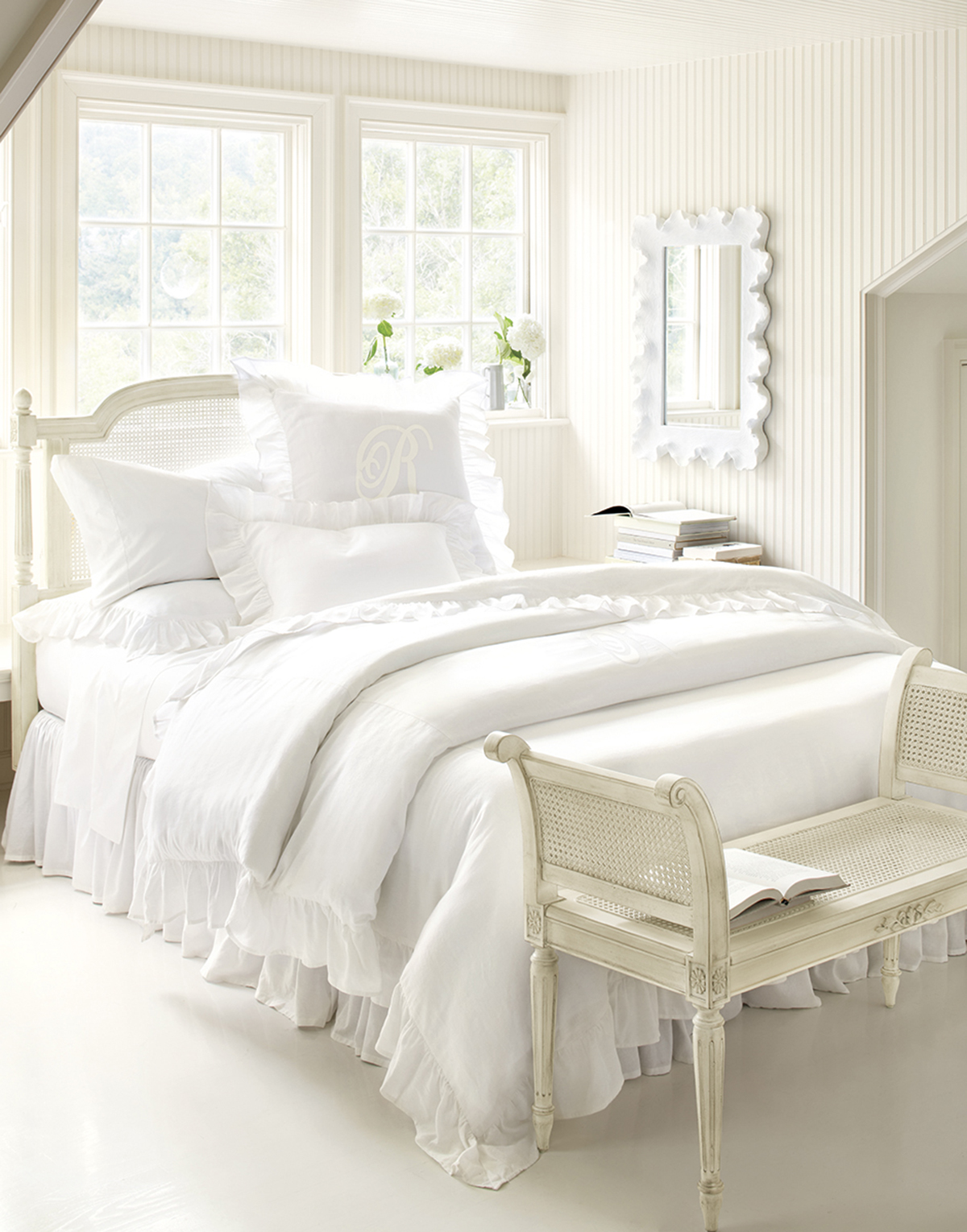 White wooden bedroom furniture sets