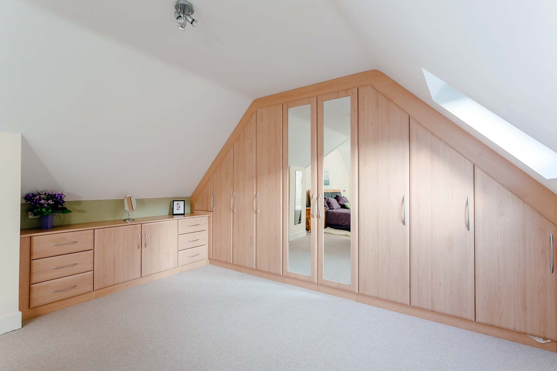 22 fitted bedroom wardrobes design to create a wow moment for Bedroom ideas with built in wardrobes