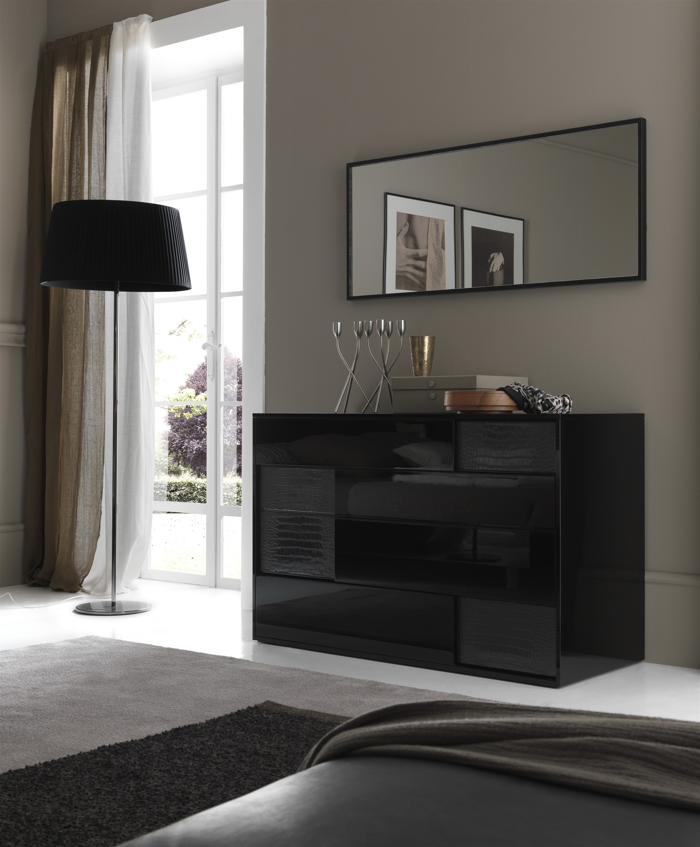 Contemporary Bedroom Set London Black By Acme Furniture: Funky High Gloss Bedroom Furniture Design