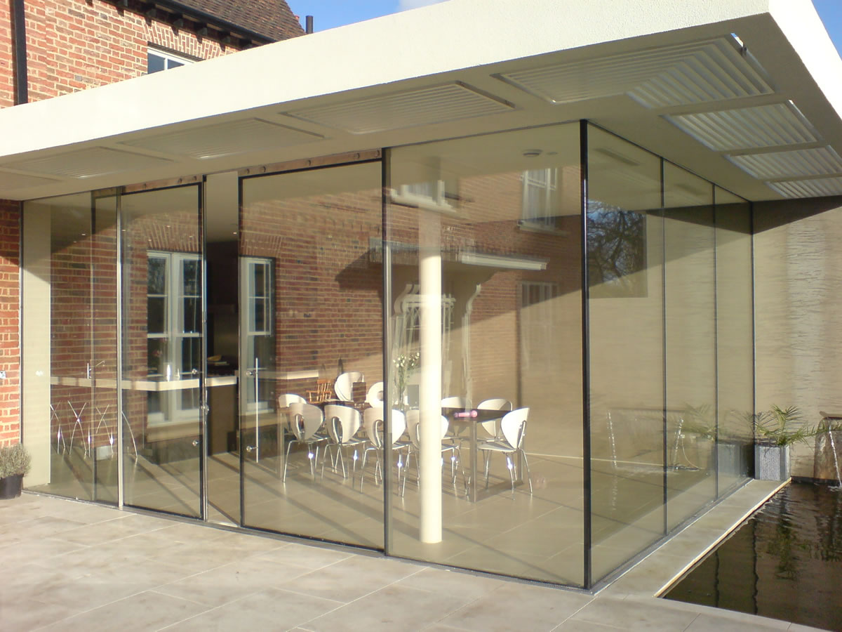 Modern sliding patio doors options you might want to try for Glazed sliding doors
