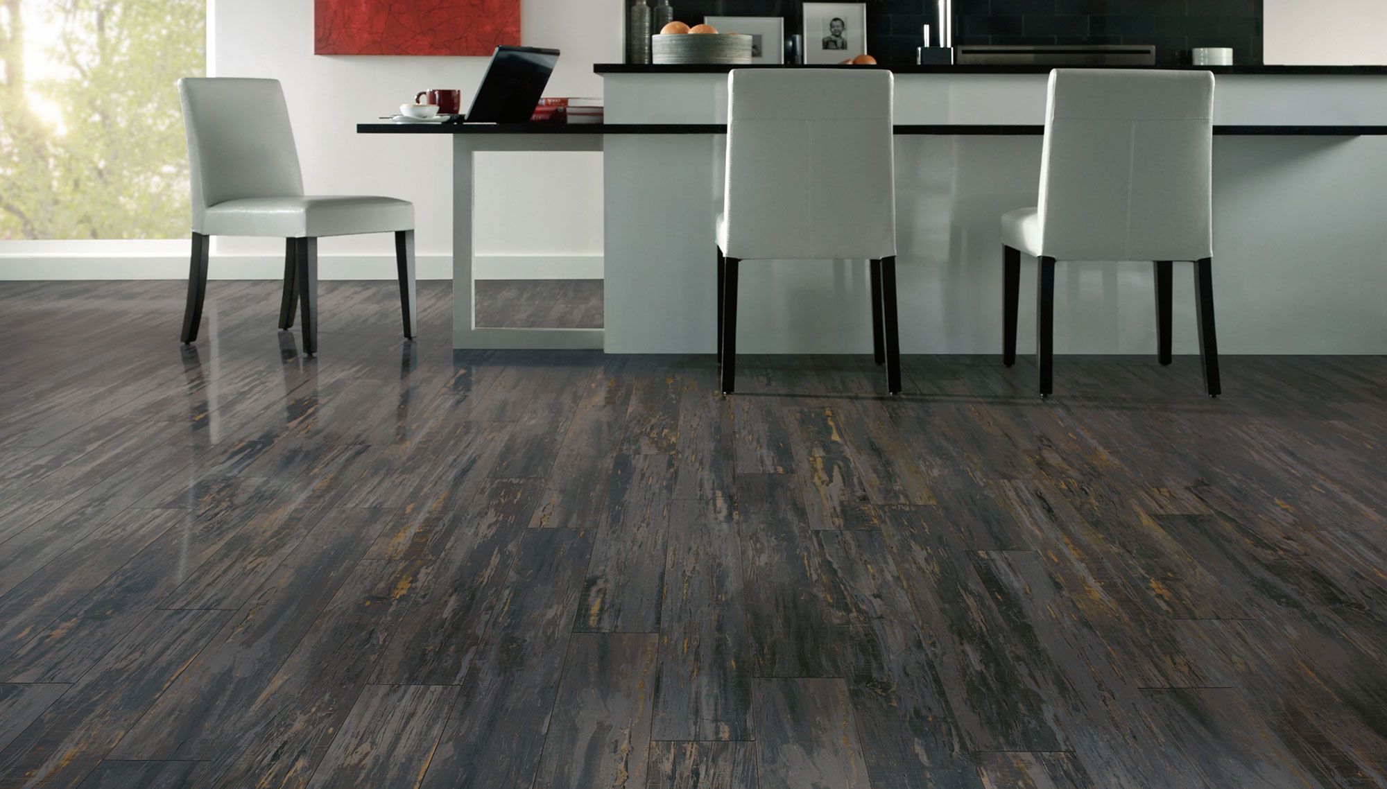 Grey laminate flooring ideas for your new home hgnv com for Laminate flooring stores