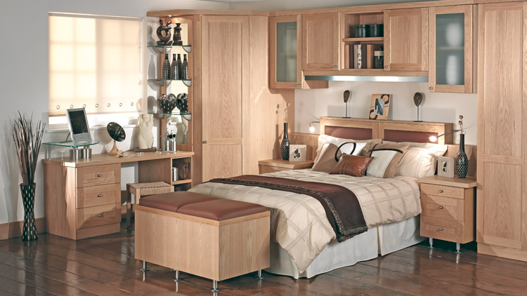 Looking for fitted bedroom furniture ideas read this for Fitted bedroom ideas for small rooms