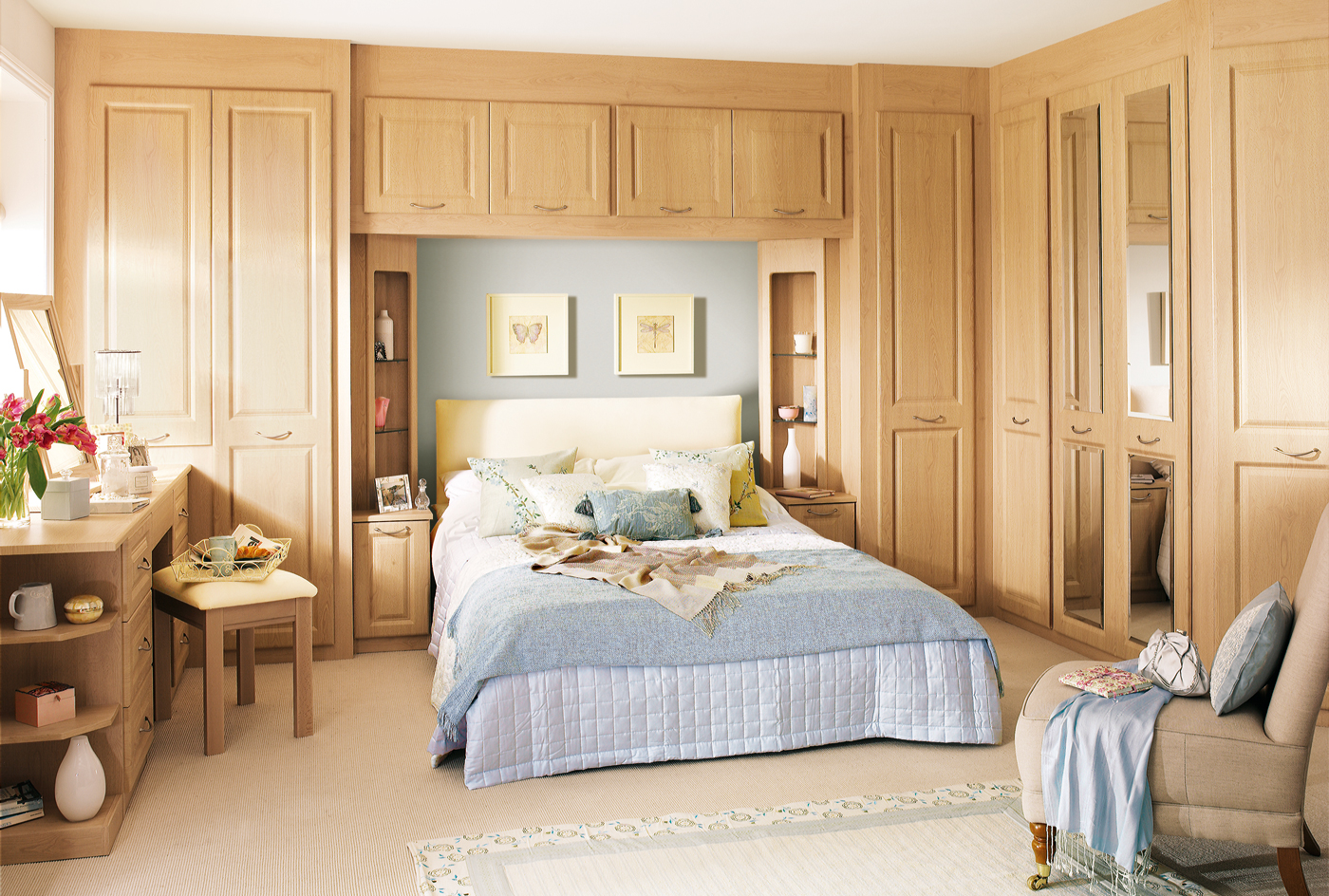 Looking for fitted bedroom furniture ideas read this for Fitted bedroom furniture