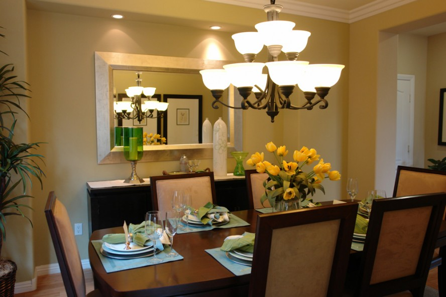 top 13 modern dining room lighting fixtures hgnvcom - Small Dining Room Chandelier