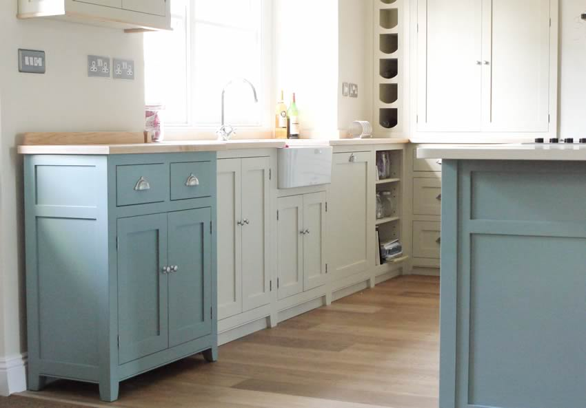 Free Standing Kitchen Islands Ideas - HGNV.COM