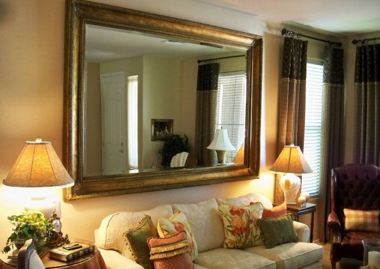 26 Stunning Decorating With Mirrors and Frames - HGNV.COM